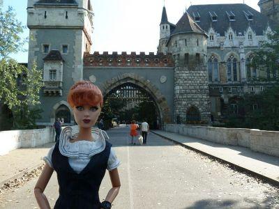 Luzy in Budapest (02)