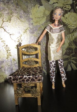 Modell Gold Von Karen (FDF)
