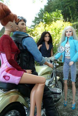 Luzy trifft den Harley Ken (03)