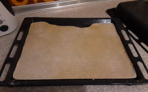 Mauer aus Salzteig - auf dem Blech gebacken