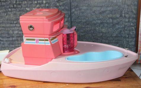 Pimp My Barbie Boat (Bild) 01