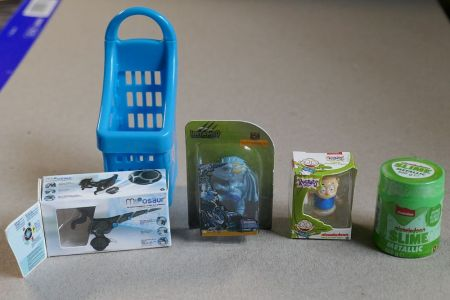 Zuru Toy Mini Brands 01