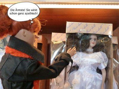 (4) Luzy im gruseligen Puppenmuseum