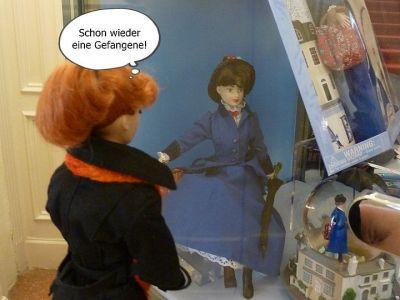 (4) Luzy im gruseligen Puppenmuseum (2)